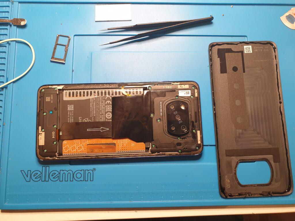 Poco X3 NFC montaż telefonu